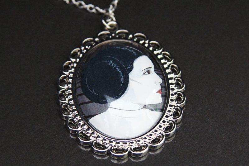 Loungefly - Princess Leia pendant