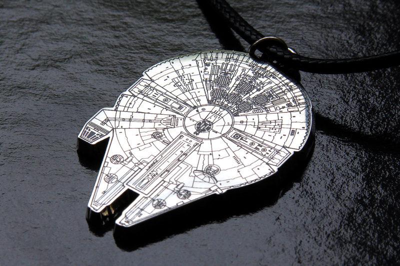 Loungefly - Millennium Falcon pendant