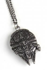 Review – Bioworld Falcon necklace