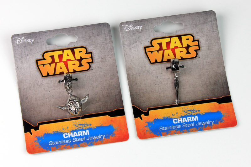 Thinkgeek - Yoda and Lightsaber bead charms by Body Vibe