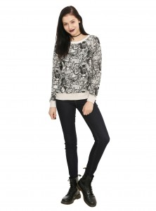 Hot Topic - women's long sleeve reversible pullover top (front/reverse side)