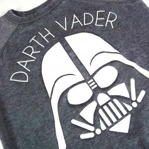 Jukupop - women's Darth Vader sweatshirt (detail)