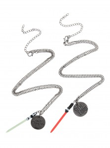 Hot Topic - Jedi Master & Sith Lord Best Friend Necklace Set