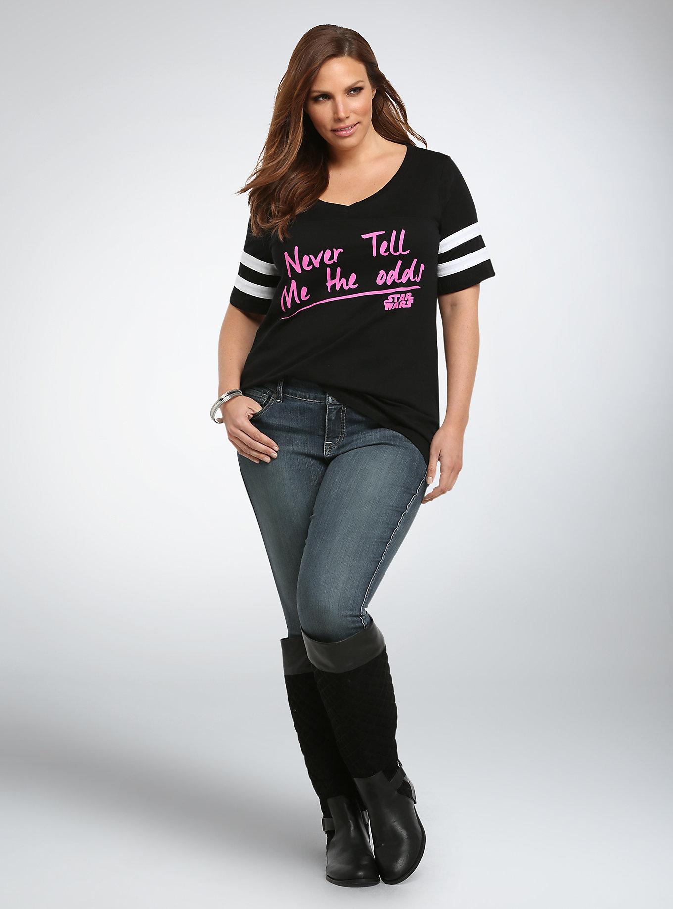 Kayla Swift Joins     Water s Neverending List of Models Fotolia com