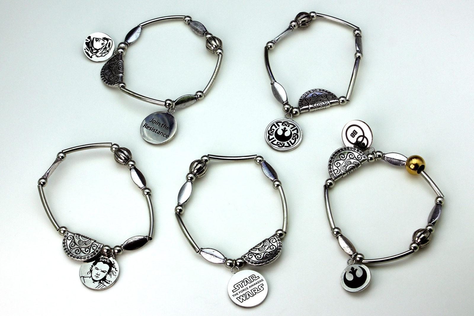 Review – Rey stretchable charm bracelet set