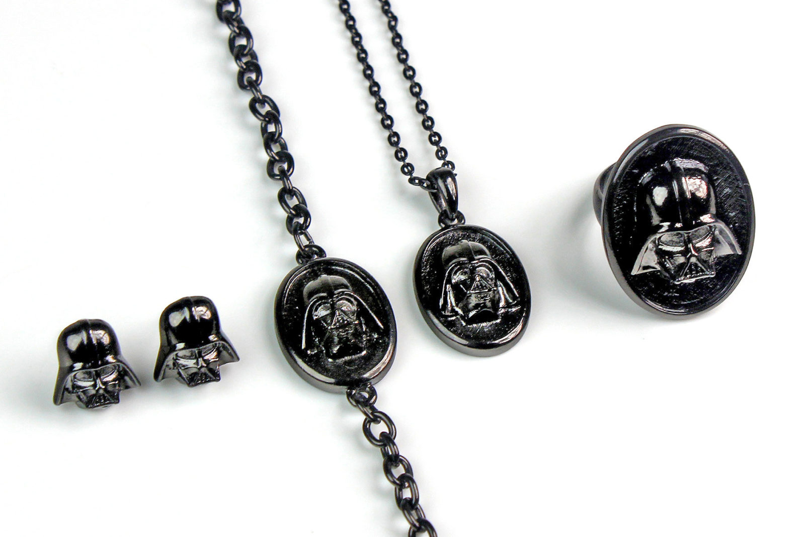 Review – Darth Vader jewelry