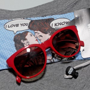 Kohl's - women's Star Wars sunglasses with drawstring bag
