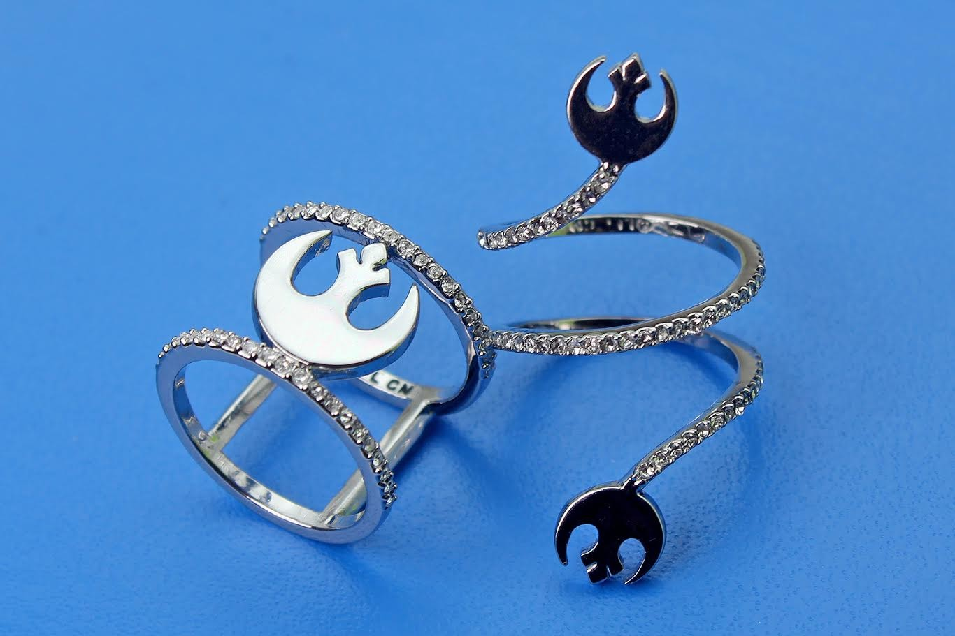 Review – 'Bling' Rebel symbol rings