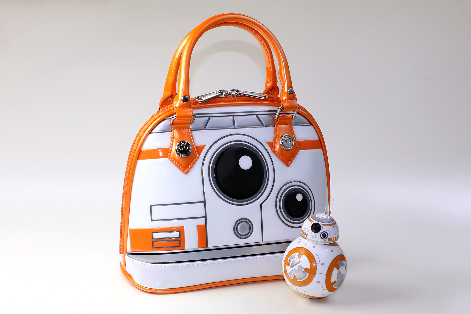 Loungefly - BB-8 dome handbag (with Sphero BB-8, not included)