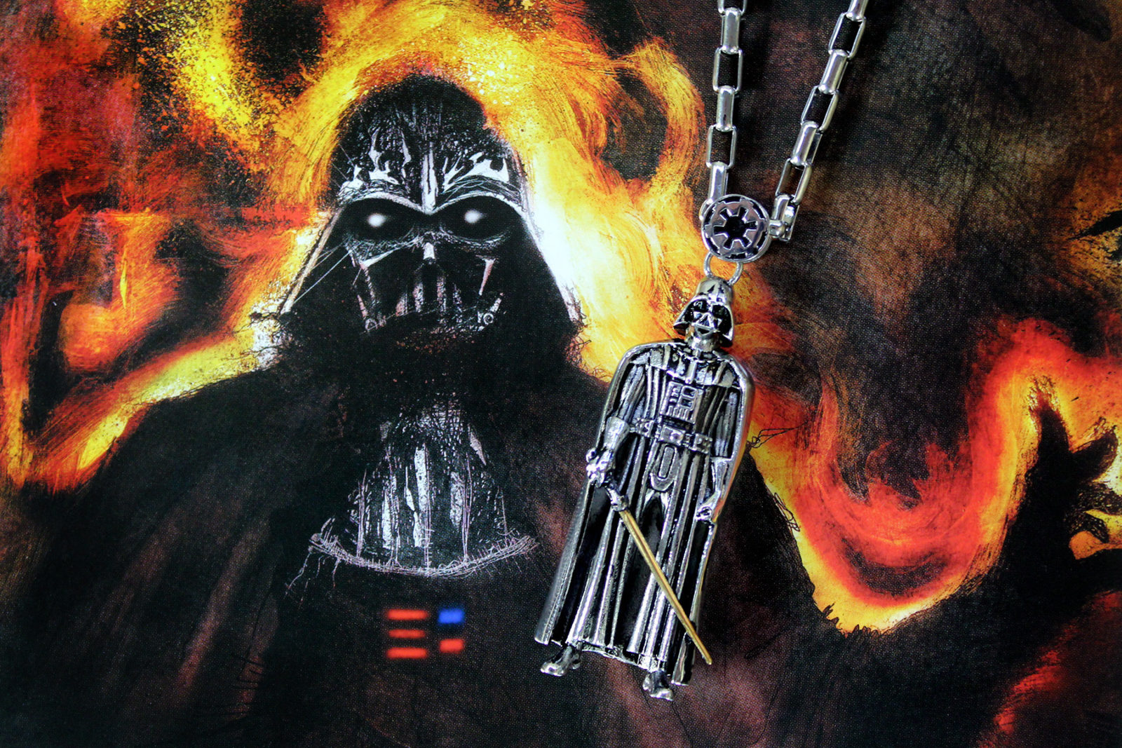 Review – Han Cholo Darth Vader necklace