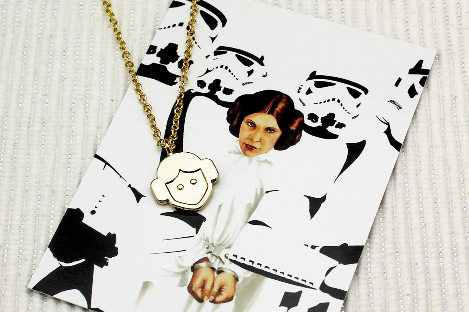 Review – Love And Madness Leia necklace