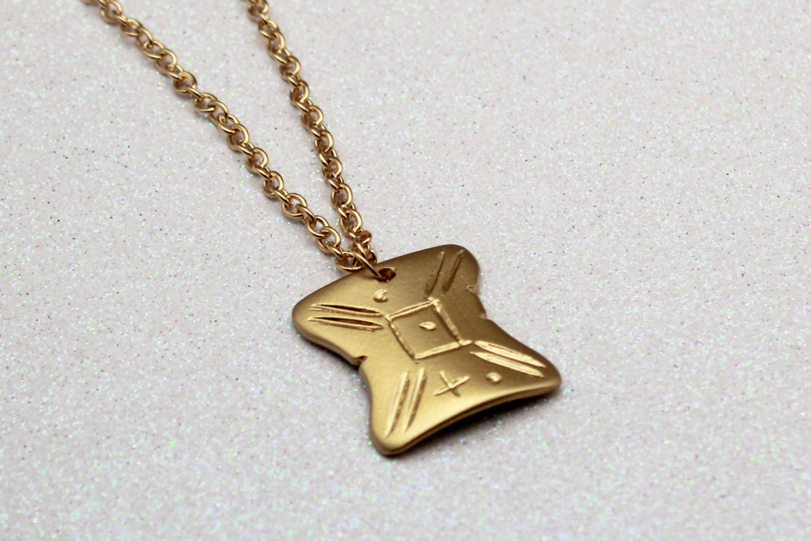 DIY – Star Wars Japor snippet necklace