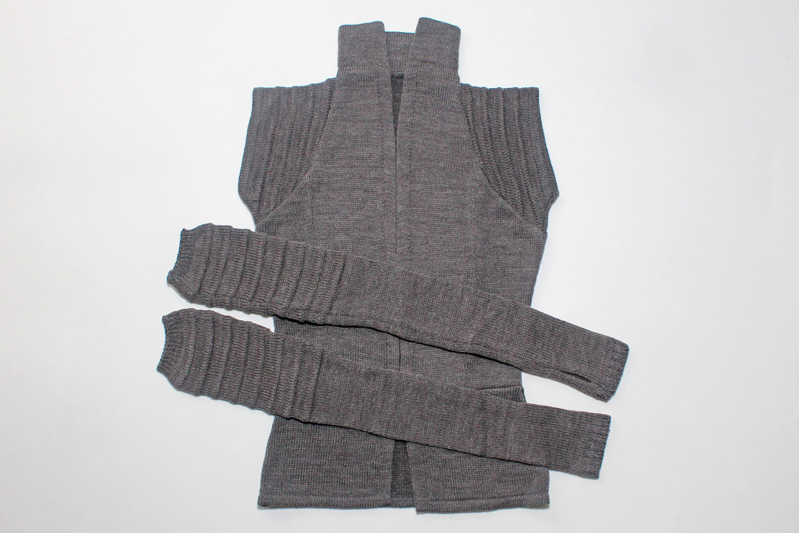 Review – Elhoffer Design knitted Rey vest