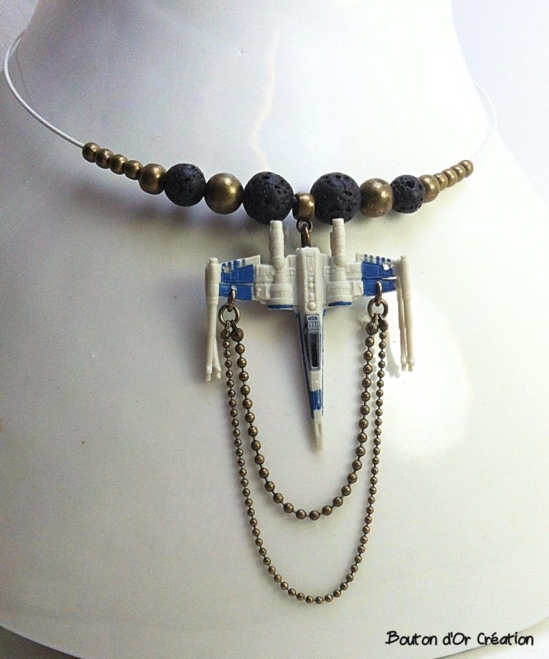 Fan made Star Wars X-Wing Fighter beaded necklace by Etsy seller Bouton d'Or Création
