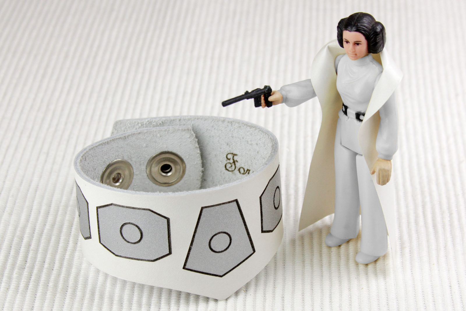 Review – Princess Leia Leather Cuff Bracelet