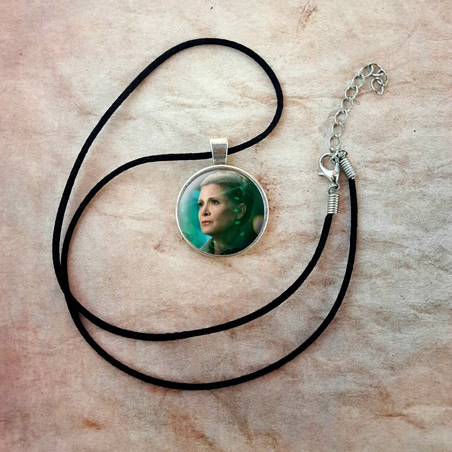 Star Wars General Leia Necklace by SoulMommy on Etsy