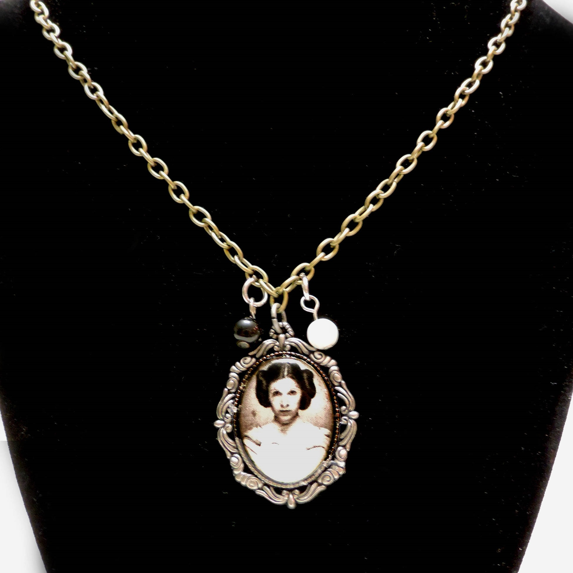 Star Wars Princess Leia Necklace by MariesGeekyArt on Etsy