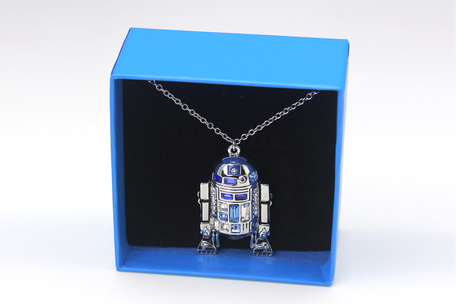 Review – Bling R2-D2 necklace