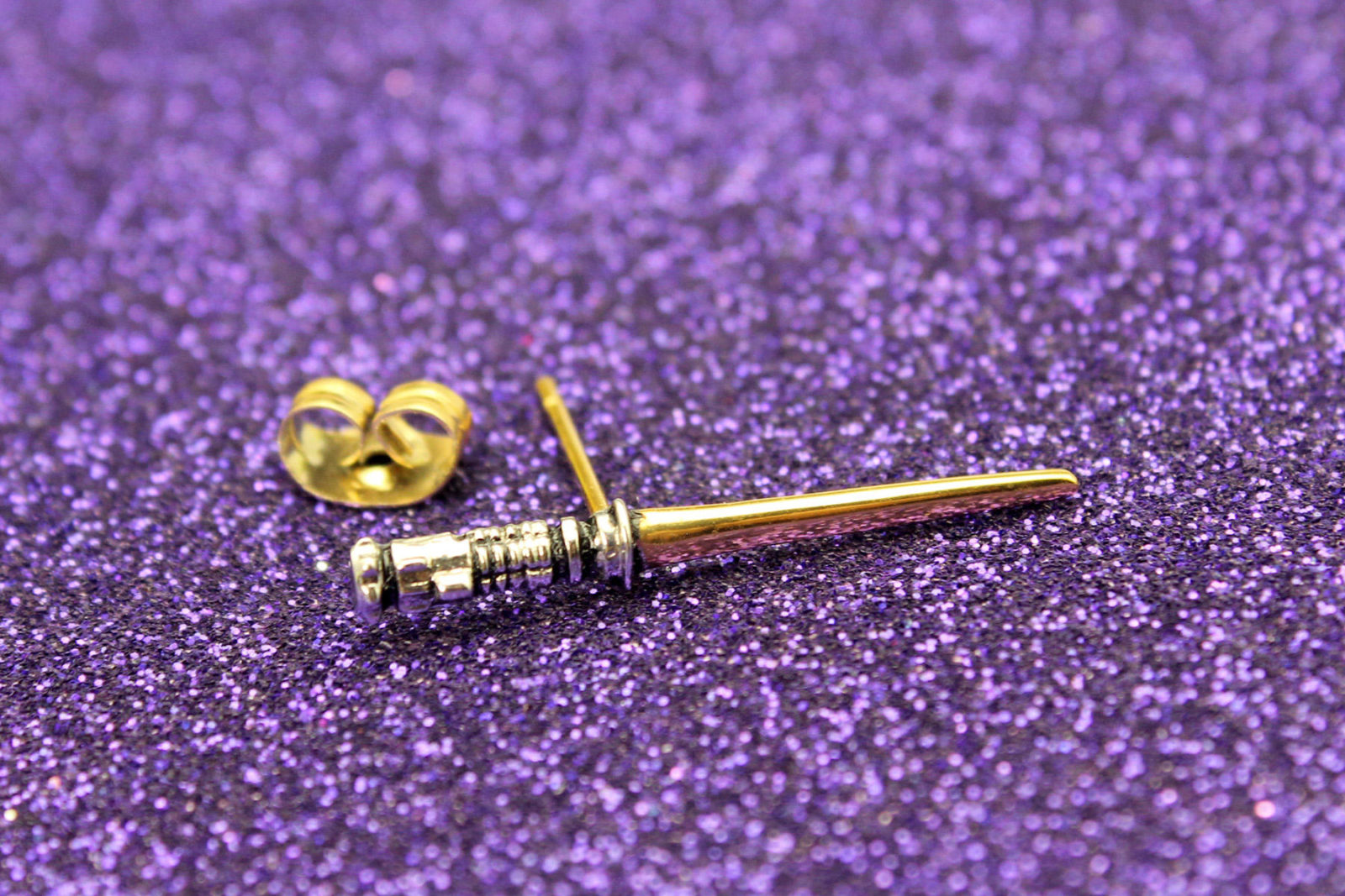 Review – Han Cholo lightsaber earrings