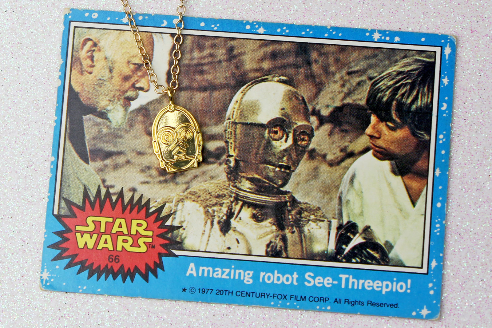Review – Love And Madness C-3PO necklace