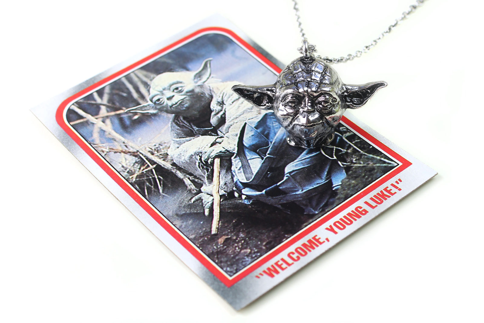 Review – Love And Madness Yoda necklace
