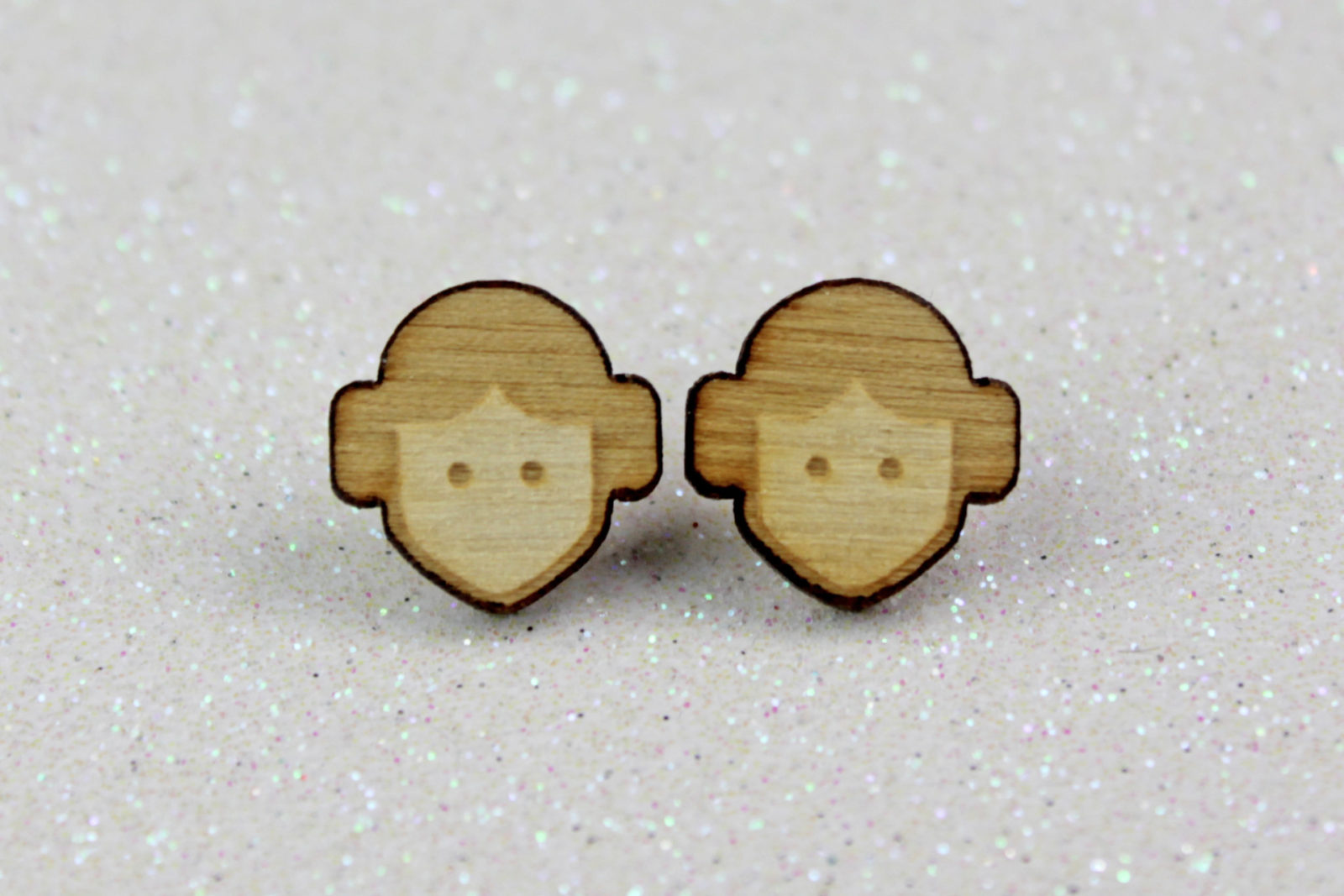 Review – Princess Leia wooden stud earrings