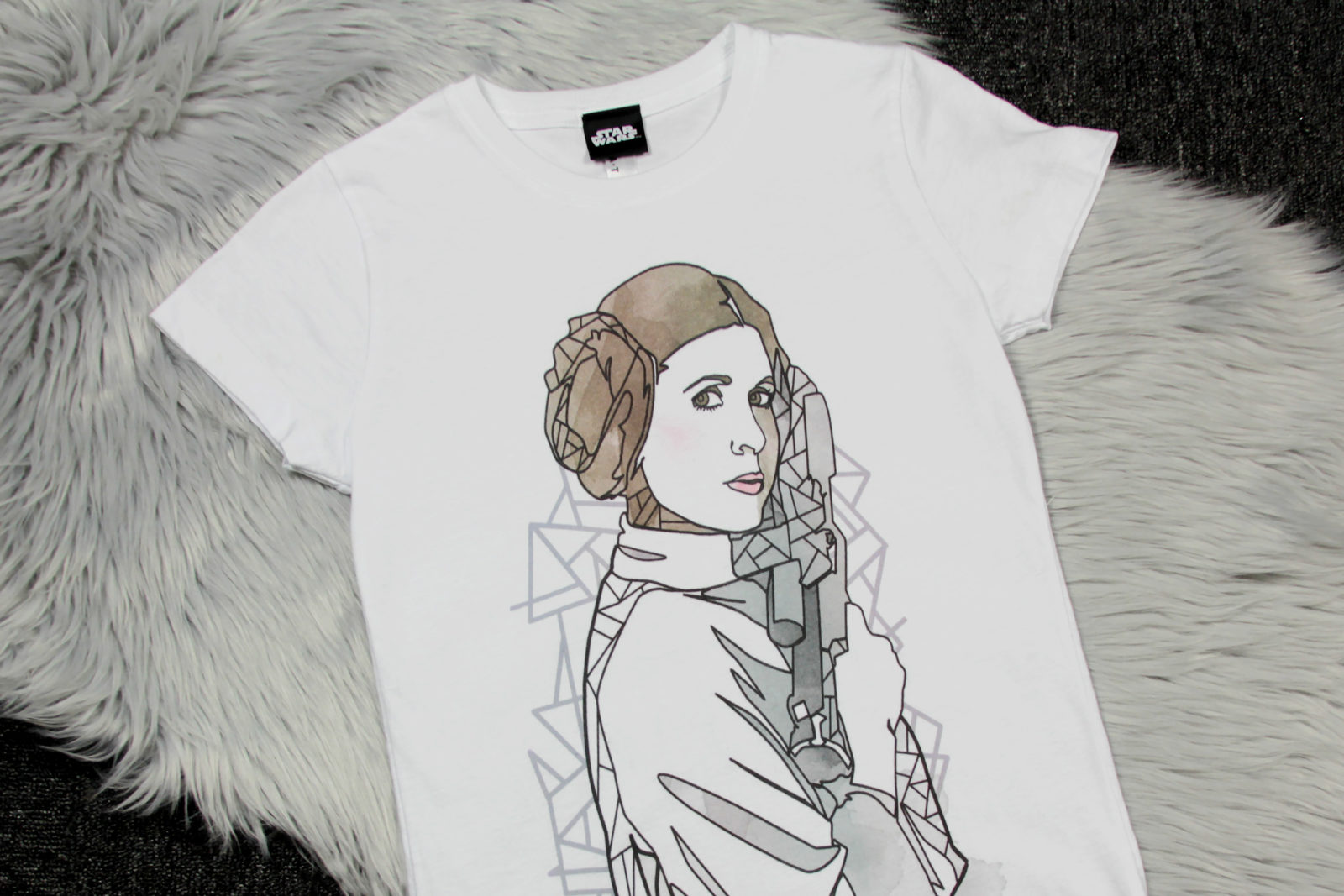 Review – Fifth Sun Princess Leia Art T-Shirt