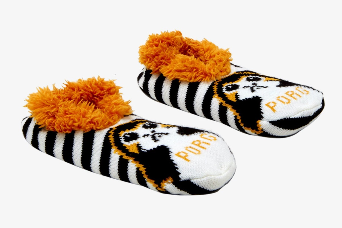 Star Wars Porg Knit Slippers at Hot Topic